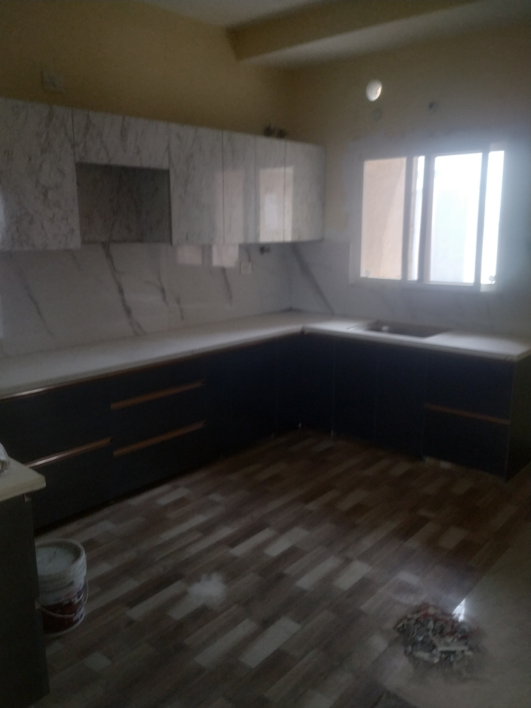 3.5 BHK + Servant Room 2050 Sq.Ft. Apartment in Gomti Nagar