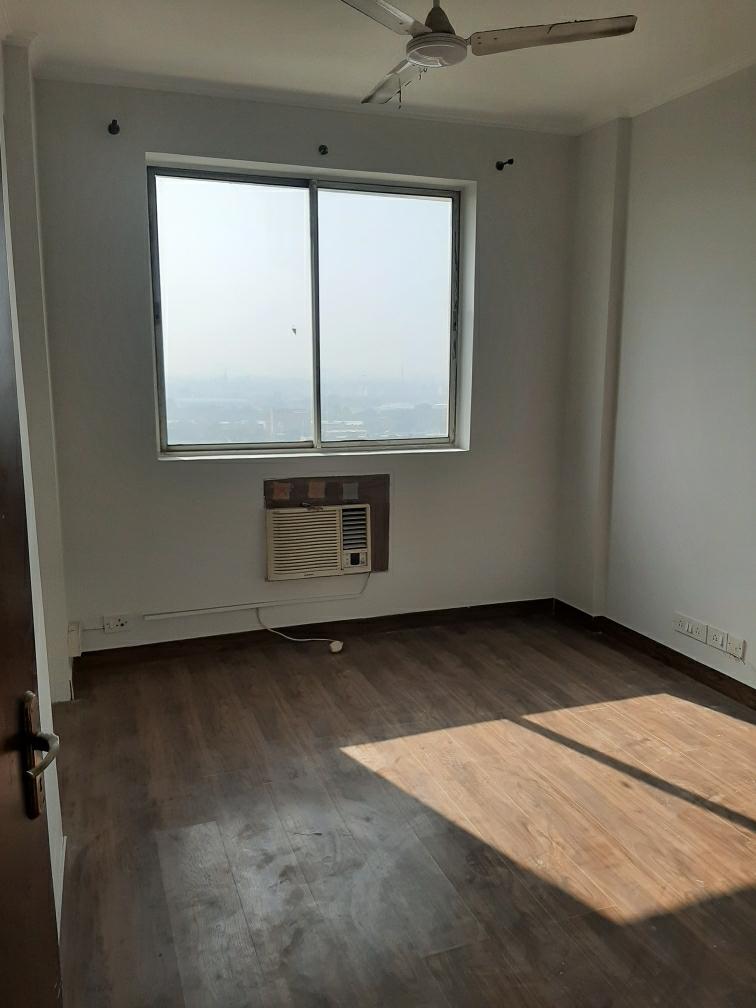 5 BHK + Pooja Room,Servant Room 240 Sq.Yd. Villa in DLF Phase III