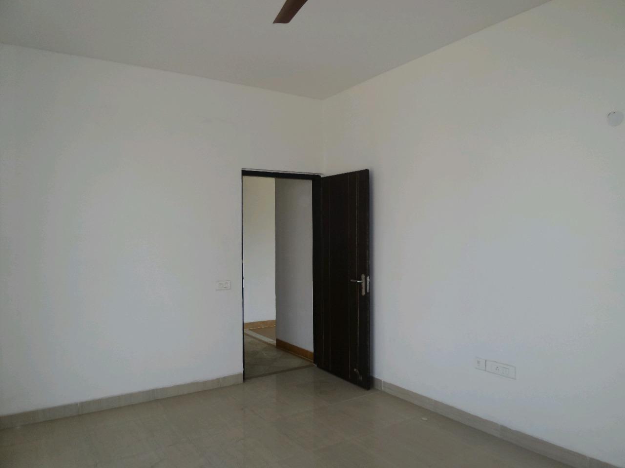 3 BHK 153 Sq.Yd. Builder Floor in New Industrial Township 4