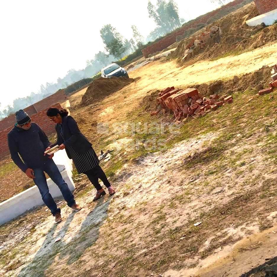 800 Sq.Ft. Plot in Hindustan Valley