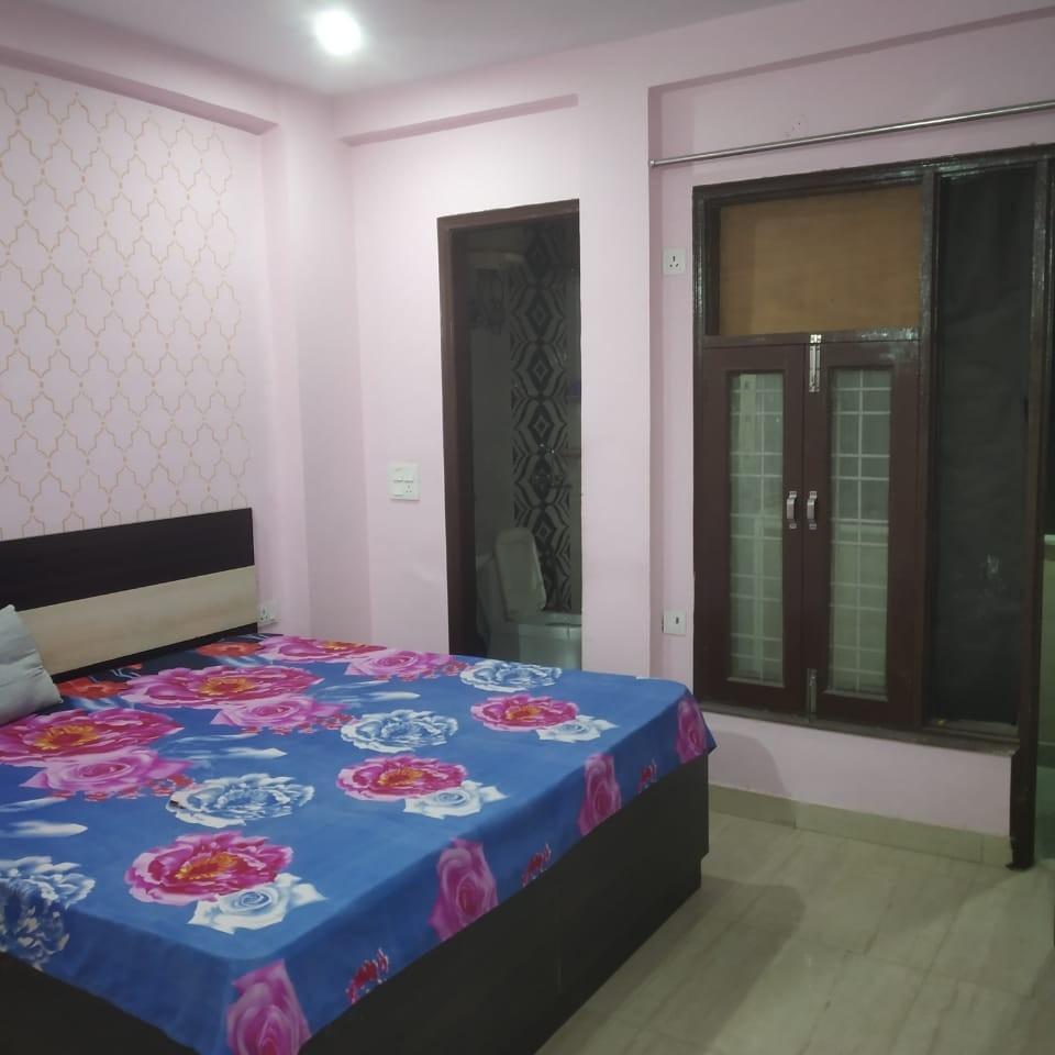 2.5 BHK + Pooja Room,Servant Room,Study Room 1400 Sq.Ft. Builder Floor in Sector 43