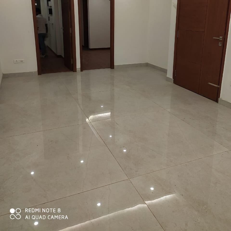 3 BHK + Pooja Room,Servant Room 2550 Sq.Ft. Builder Floor in Gold Souk Golf Links Plots