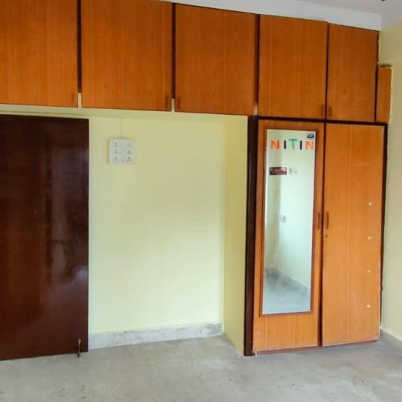 3 BHK + Pooja Room 1300 Sq.Ft. Builder Floor in Tarnaka