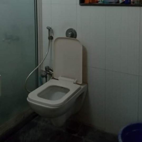 bathroom-Picture-dattani-shelter-1884795