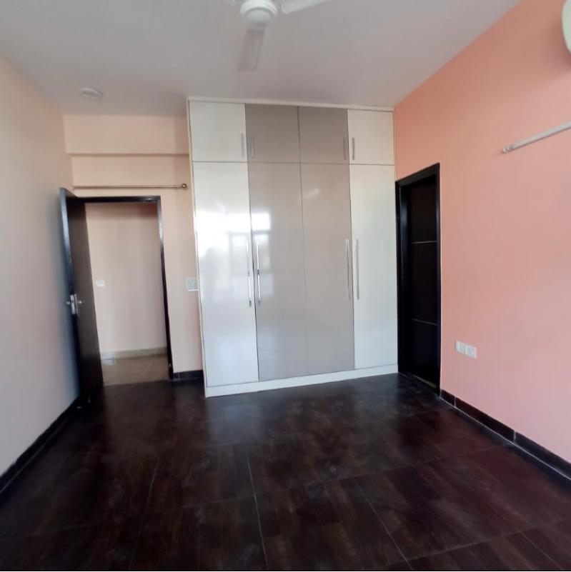 3 BHK + Pooja Room 1700 Sq.Ft. Builder Floor in Sector 47