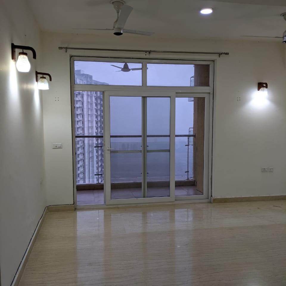 3.5 BHK + Pooja Room,Servant Room 1560 Sq.Ft. Builder Floor in Sushant Golf City