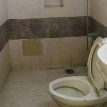 bathroom-Picture-dadlanis-apartments-2051452