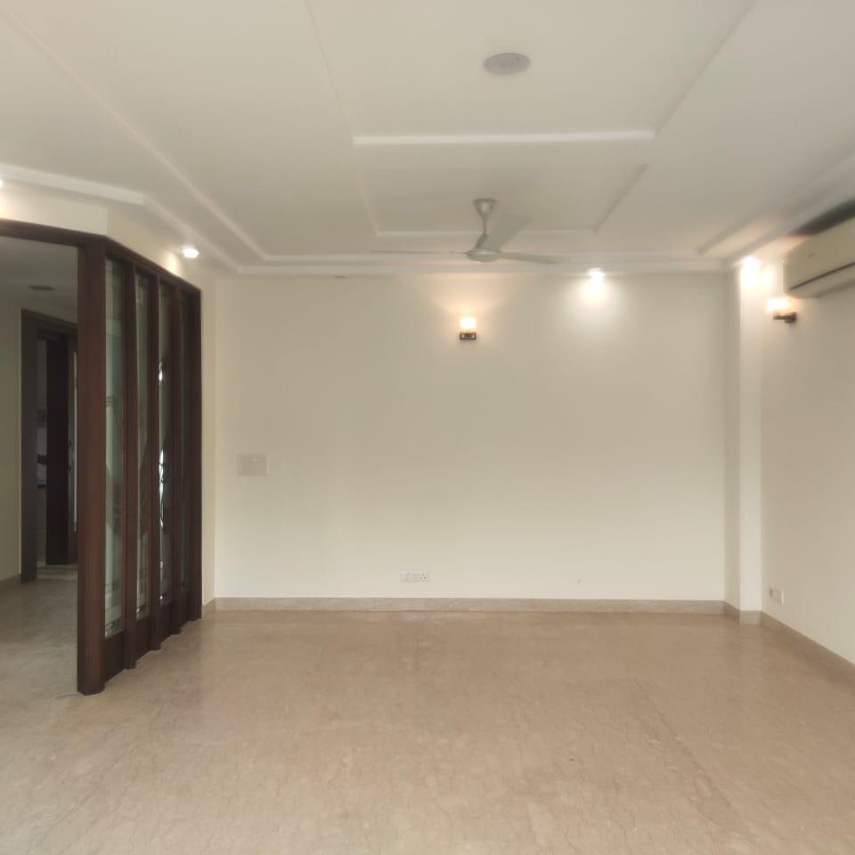 2.5 BHK + Pooja Room,Servant Room 1250 Sq.Ft. Builder Floor in Omaxe Green Valley