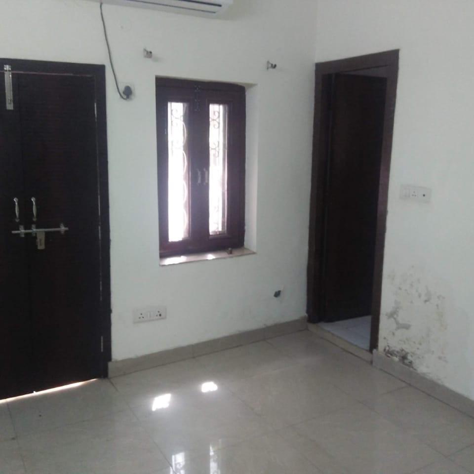 2 BHK + Pooja Room 1290 Sq.Ft. Builder Floor in Universal Greens