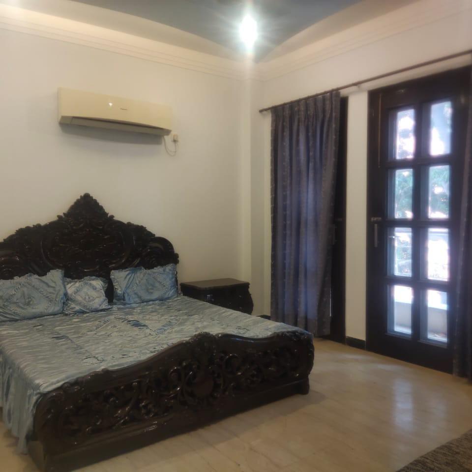 2 BHK + Pooja Room 1250 Sq.Ft. Builder Floor in Omaxe Green Valley