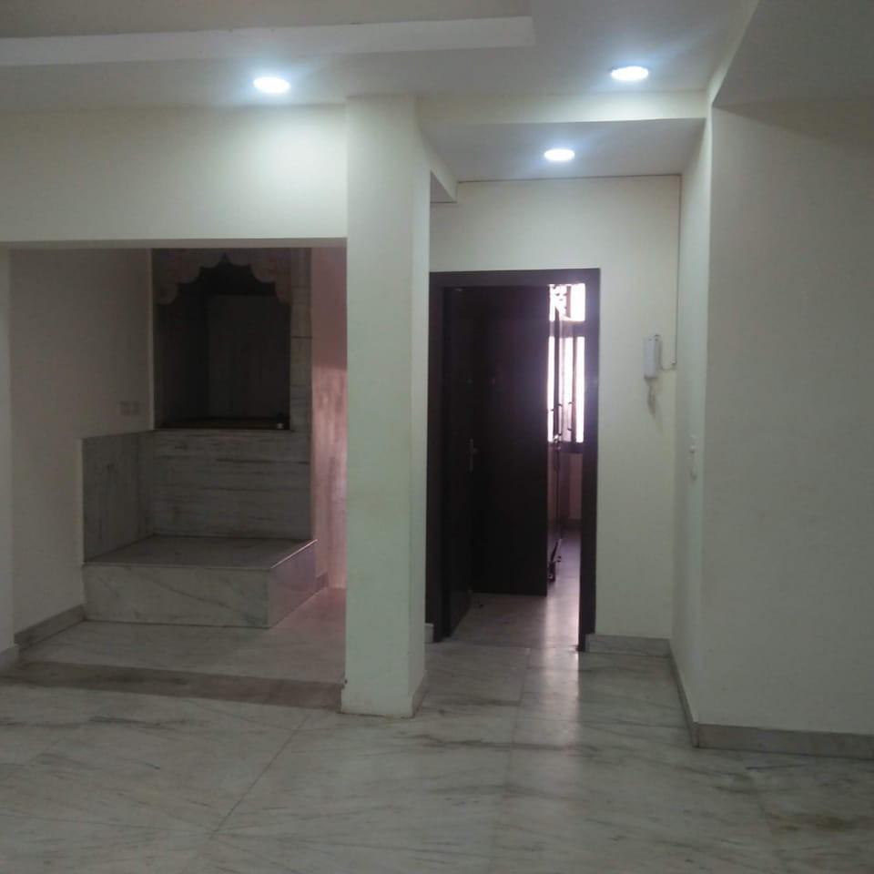 2 BHK + Pooja Room 1250 Sq.Ft. Builder Floor in Universal Greens