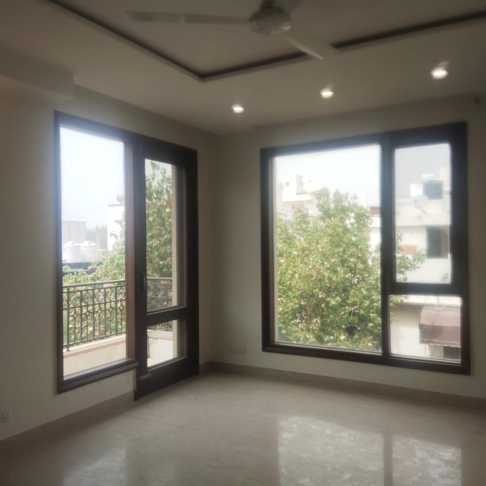 2.5 BHK + Pooja Room 1500 Sq.Ft. Builder Floor in Universal Greens
