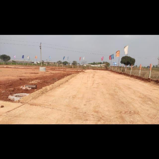 318 Sq.Yd. Plot in Abdullahpurmet