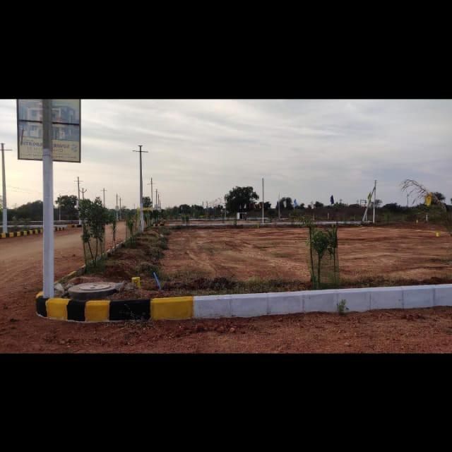 247 Sq.Yd. Plot in Abdullahpurmet