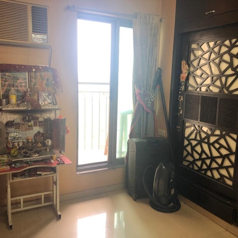 room-Picture-thane-east-2155997