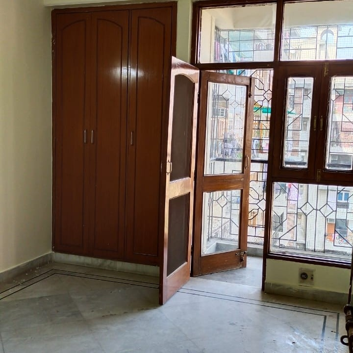 3 BHK  Apartment For Rent in Seema Apartments