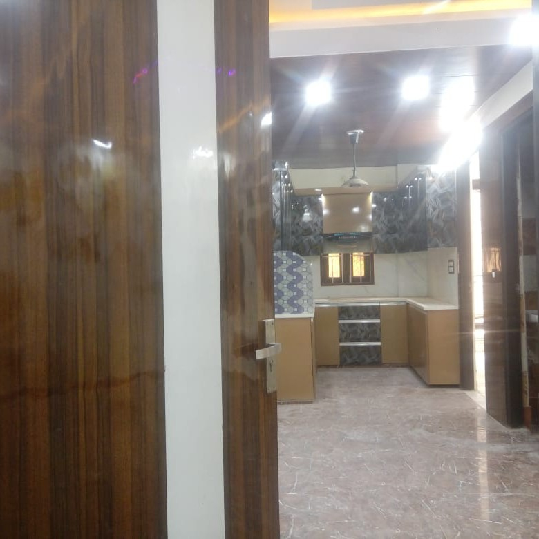 master-bedroom-Picture-palam-extension-2387501