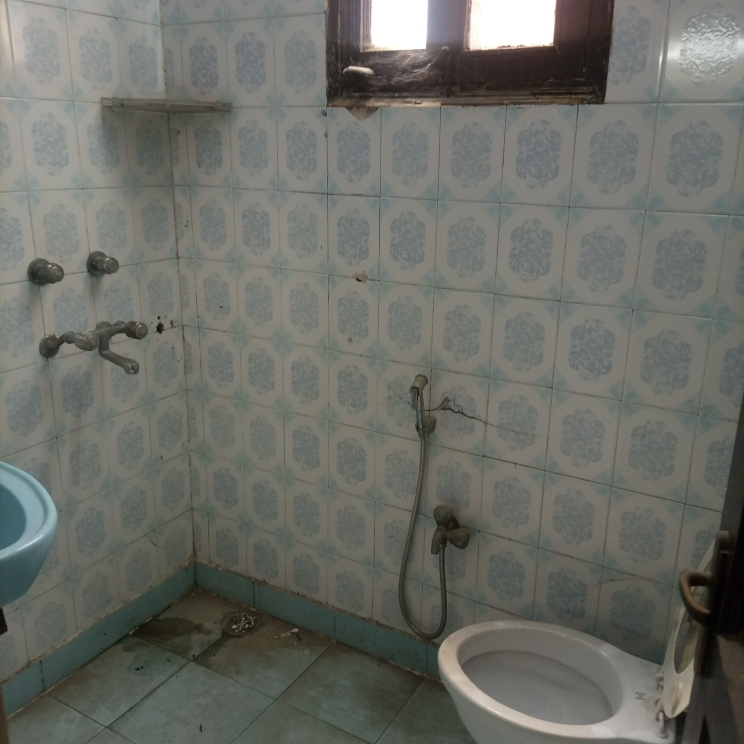 bathroom-Picture-omaxe-green-valley-2439975