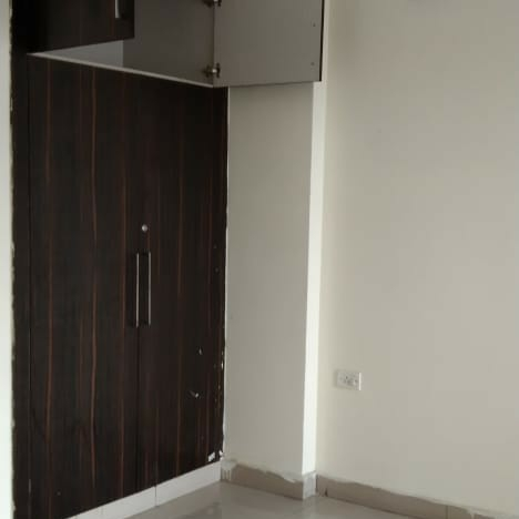 Property-Cover-Picture-antriksh-golf-view-ii-2451510