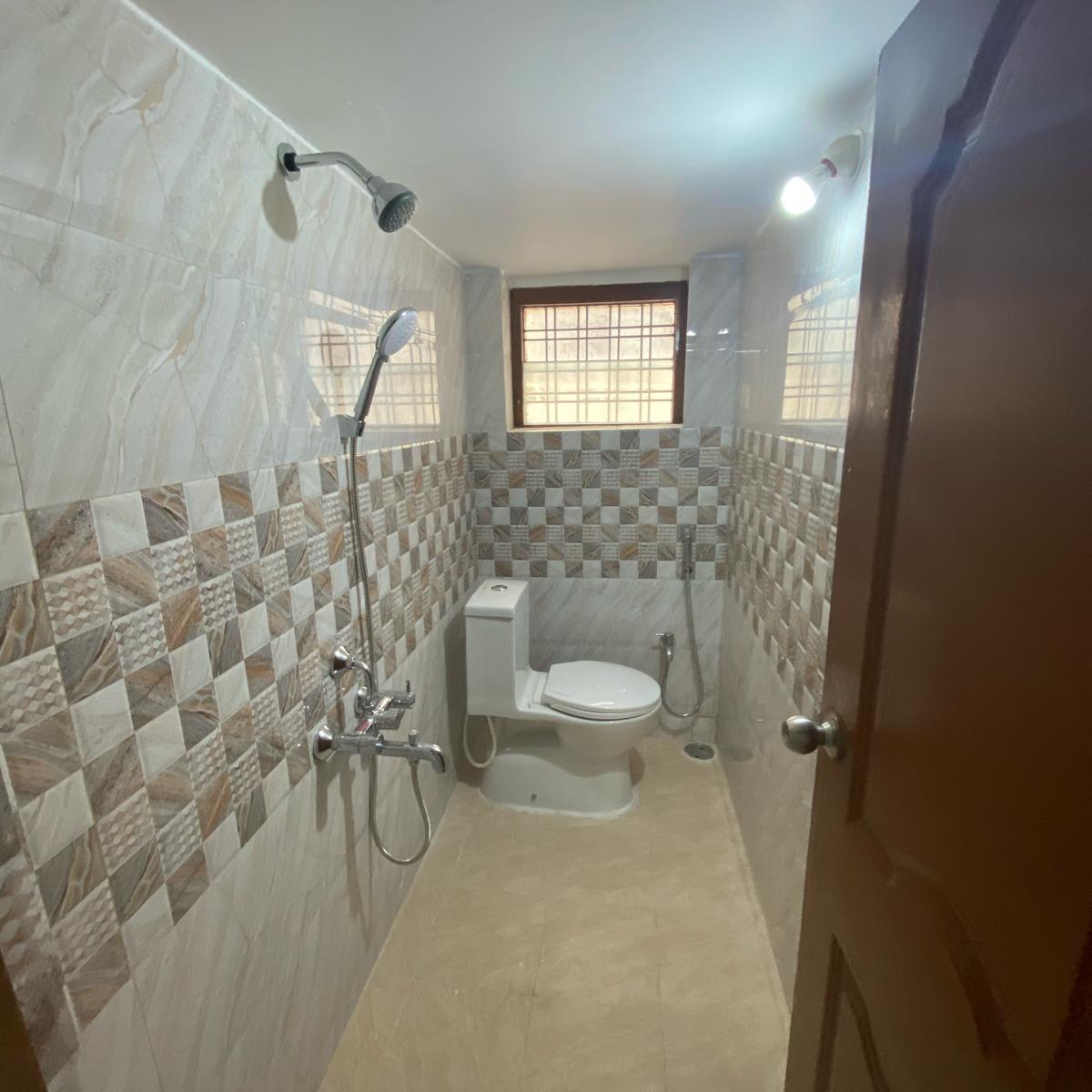 bathroom-Picture-karmanghat-2488275