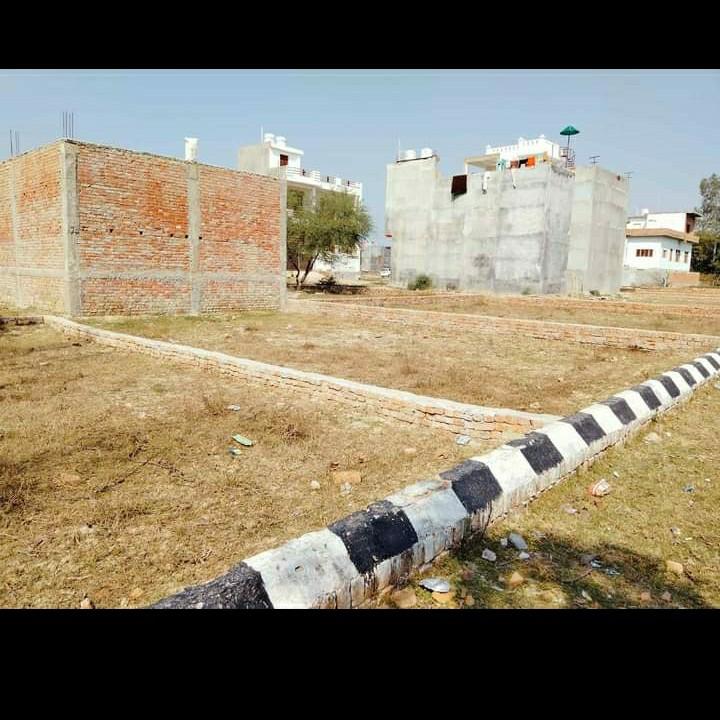 800 Sq.Ft. Plot in Near Krishna Nagar