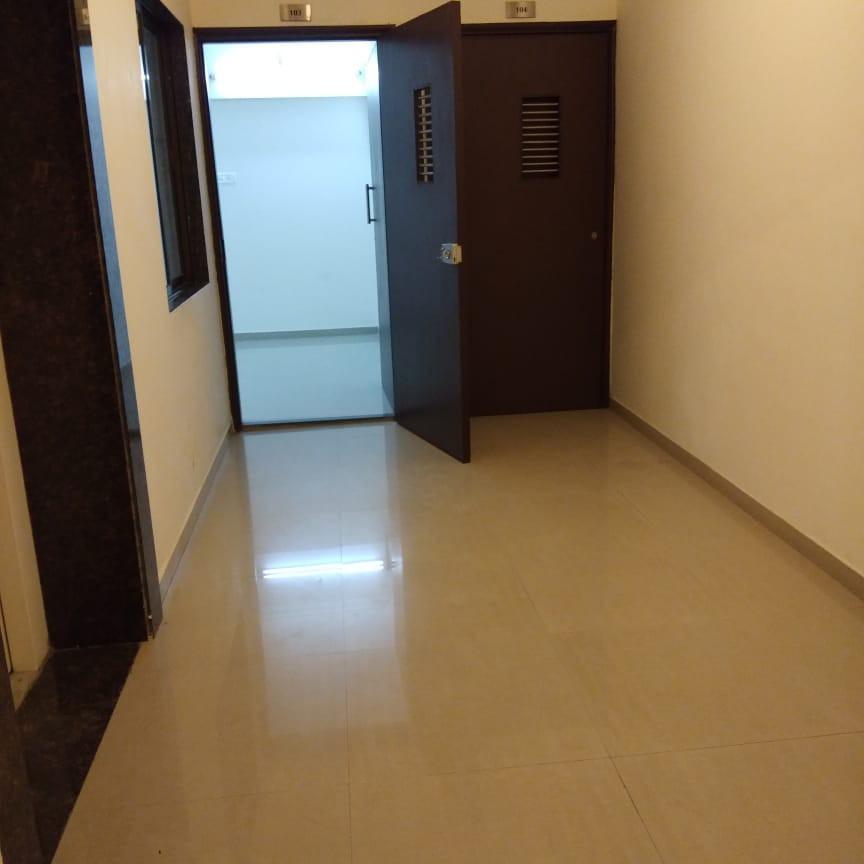 1 BHK 400 Sq.Ft. Apartment in Mahavir Apartments