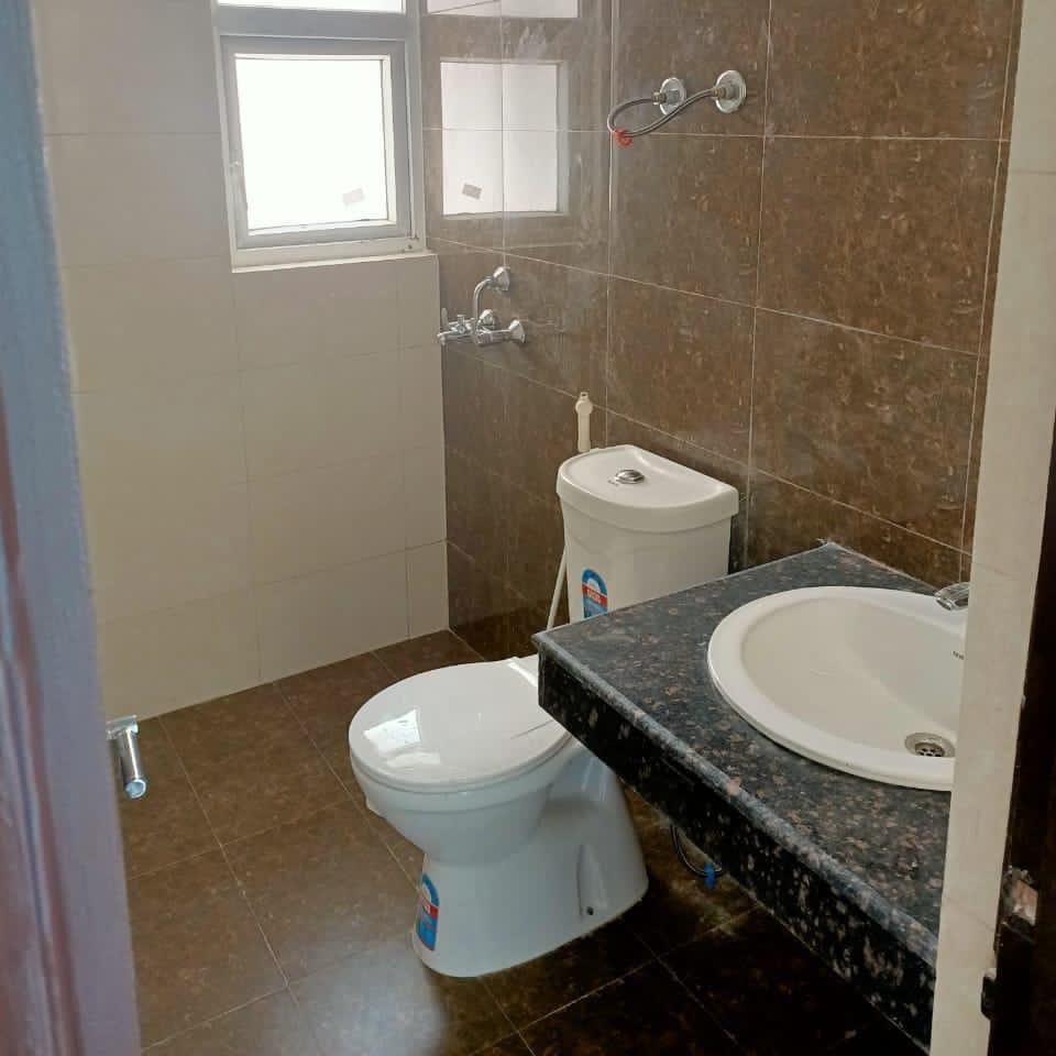 bathroom-Picture-vrindavan-colony-2594086