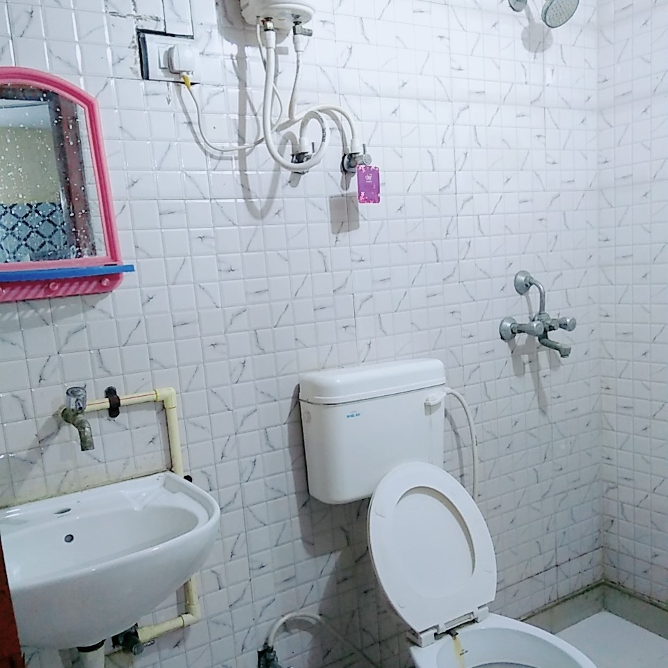 bathroom-Picture-sector-63-2605401