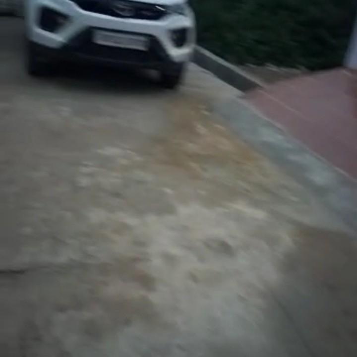 exterior-view-Picture-arjunganj-2605537