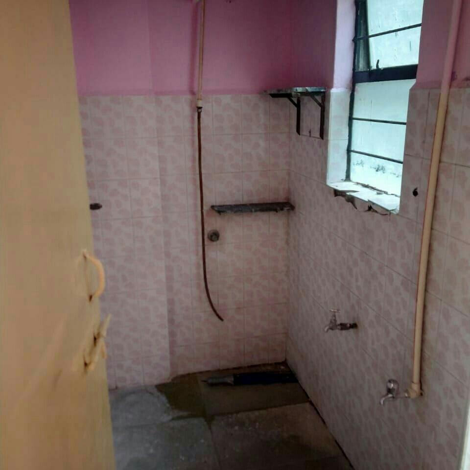 bathroom-Picture-skyi-iris-bavdhan-2608689