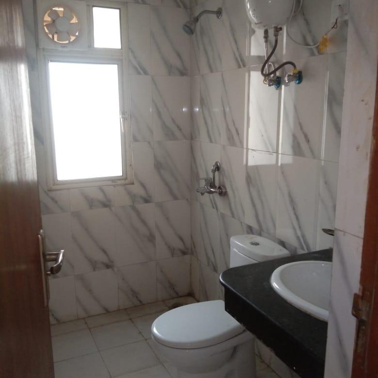 bathroom-Picture-nimbus-the-golden-palm-2619298