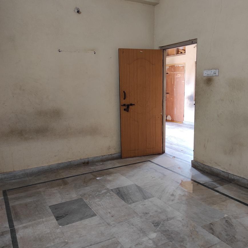 2 BHK + Pooja Room 1050 Sq.Ft. Builder Floor in Om Sri Sai Ram Real Estate