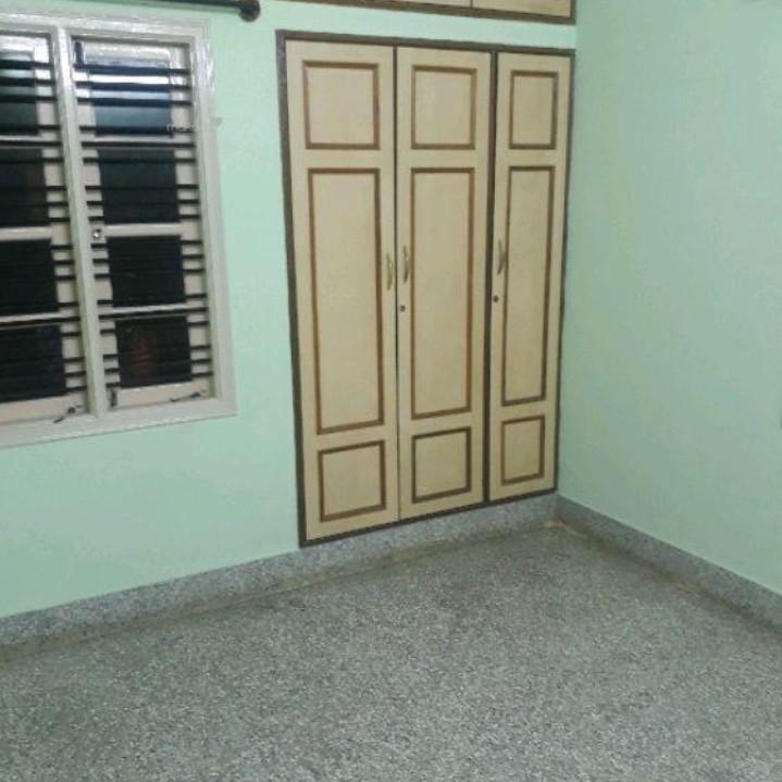 2 BHK + Pooja Room,Servant Room,Study Room,Extra Room 900 Sq.Ft. Builder Floor in Rajajinagar