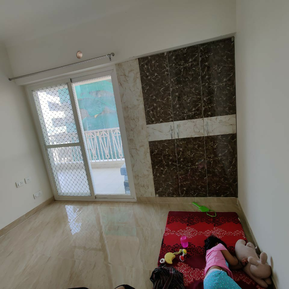 Property-Cover-Picture-gaur-city-2-12th-avenue-2650836
