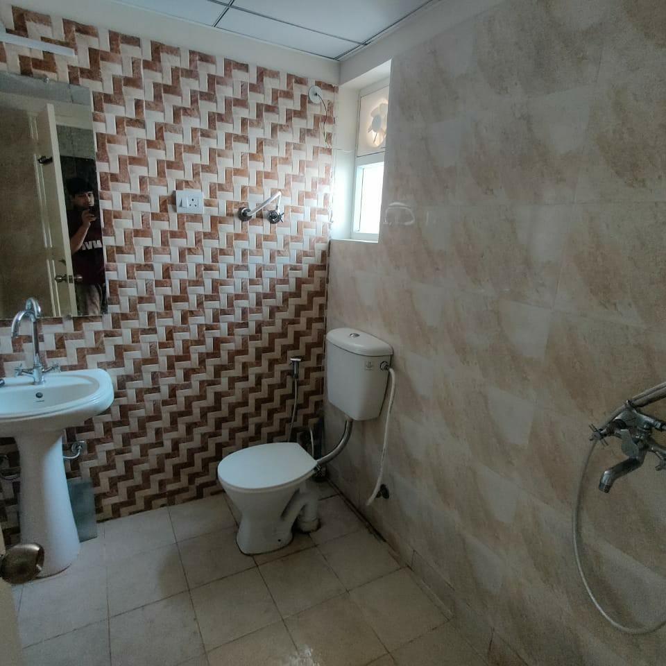 bathroom-Picture-gaur-city-2-12th-avenue-2650836