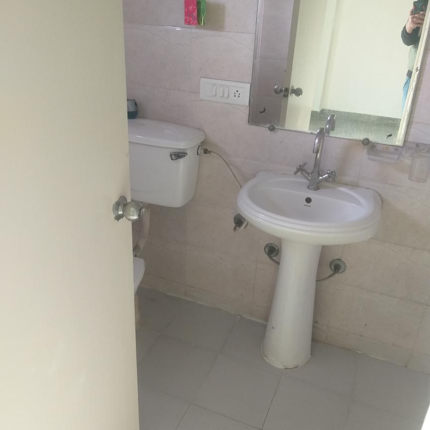 bathroom-Picture-gaur-city-2-12th-avenue-2650853