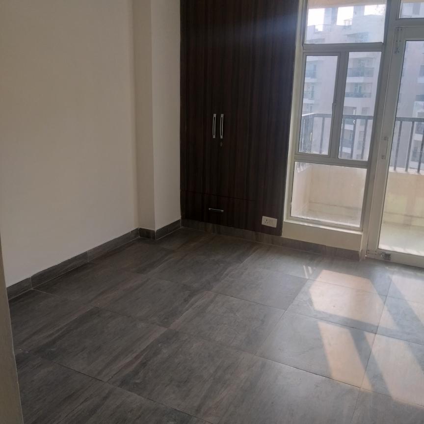 room-Picture-gaur-city-2-12th-avenue-2650853