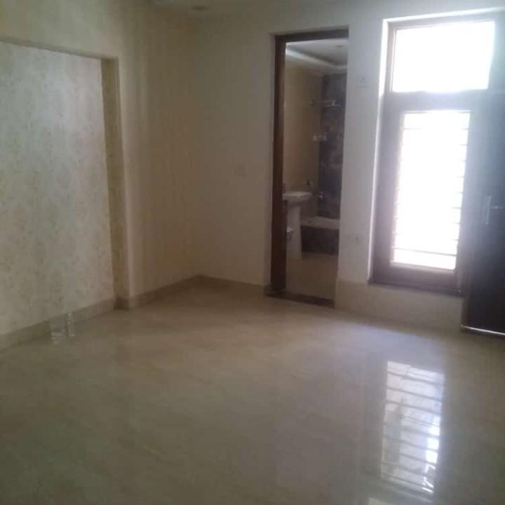 3 BHK 250 Sq.Yd. Apartment in Bptp Park 81